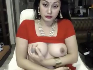 indian bitch masturbates in..