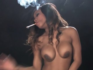 Kiki Minaj  smoking blowjob..