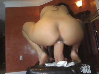 Webcam: 18 year old Latina..